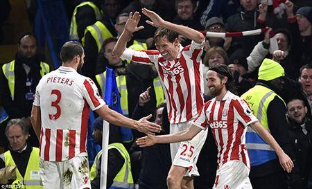 Chelsea 4-2 Stoke: Tiec tat nien tung bung - Anh 1