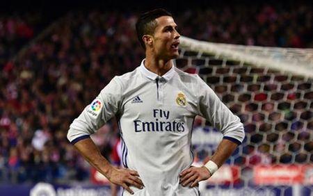 The thao 24h: Ibrahimovic bo lo co hoi bat kip Messi - Anh 2