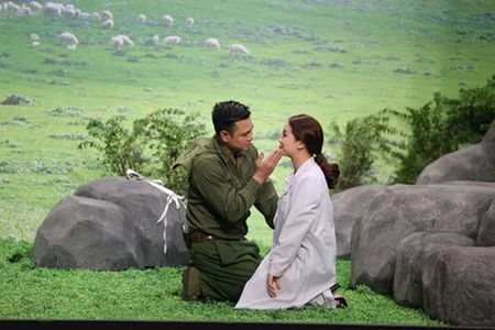 Tran Thanh bi 'da xoay' 3D van cuoi vo trong 'On gioi cau day roi' - Anh 3