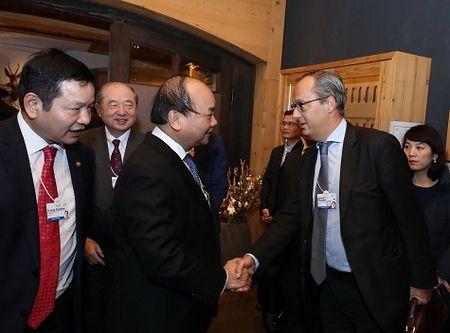 Thu tuong doi thoai voi cac tap doan cong nghe thong tin tai Davos - Anh 1