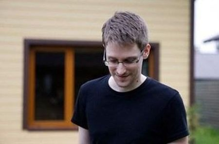 Edward Snowden sap thanh nguoi Nga - Anh 1