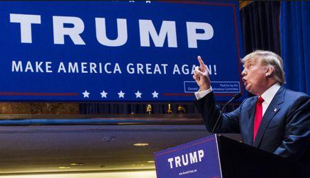 Donald Trump tiet lo khau hieu tai tranh cu tong thong nam 2020 - Anh 1