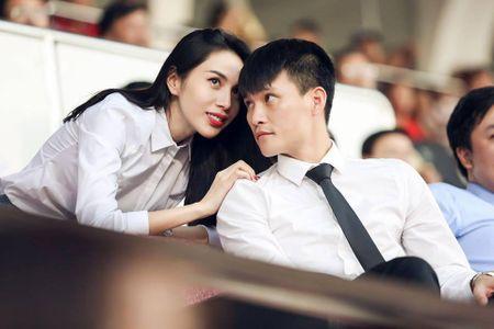 'Ninh vo khong ai gioi hon Cong Vinh' - Anh 1