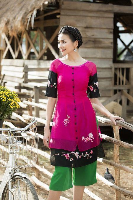 Thanh Hang dien ao dai ngot ngao sac tham ben vuon xuan - Anh 9