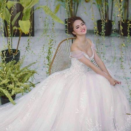 Huong Giang Idol tre nai, khoe body hoan hao me nguoi - Anh 12