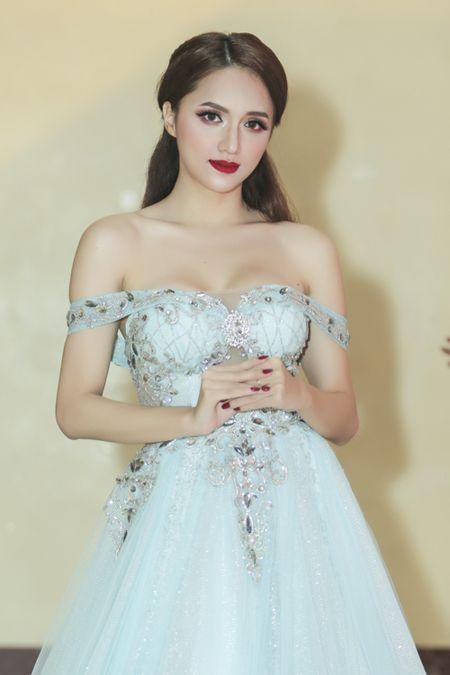 Huong Giang Idol tre nai, khoe body hoan hao me nguoi - Anh 7