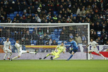 5 diem nhan Real Madrid 1-2 Celta Vigo: Sau mach bat bai la chuoi… that bai? - Anh 2