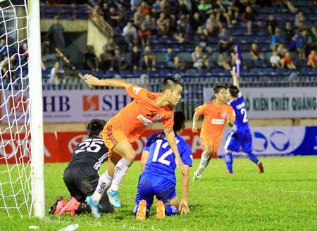 Vong 3 V-League 2017: Chia diem o Tam Ky - Anh 1