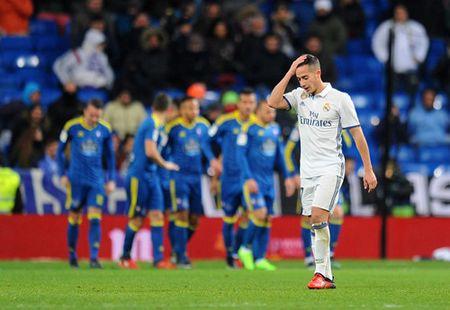 Ronaldo tit ngoi, Real Madrid thua tran thu 2 lien tiep - Anh 4