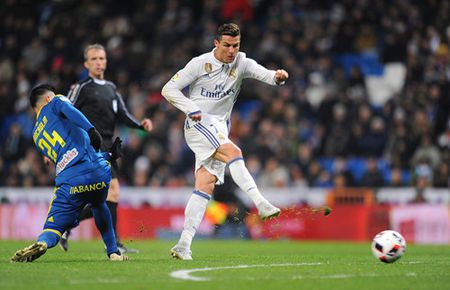Real Madrid thua 2 tran lien tiep, Zidane noi gian - Anh 2
