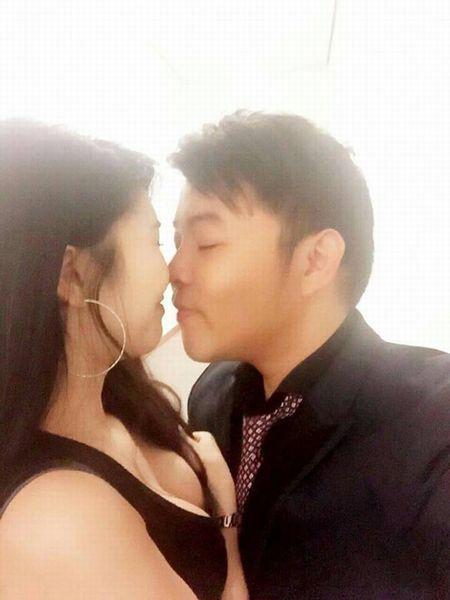 Khong the ngo Quang Le toan yeu hoa hau, hot girl nong bong - Anh 14