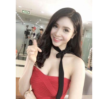 Khong the ngo Quang Le toan yeu hoa hau, hot girl nong bong - Anh 16