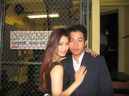 Khong the ngo Quang Le toan yeu hoa hau, hot girl nong bong - Anh 2