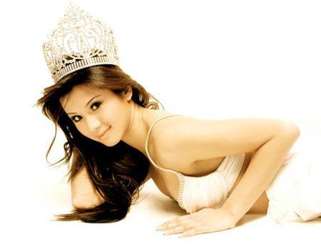 Khong the ngo Quang Le toan yeu hoa hau, hot girl nong bong - Anh 3