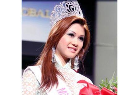 Khong the ngo Quang Le toan yeu hoa hau, hot girl nong bong - Anh 6