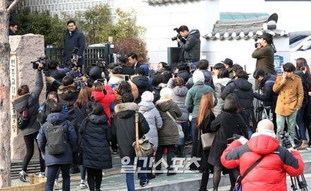 Anh hiem hoi cua Kim Tae Hee - Bi Rain trong le cuoi - Anh 13