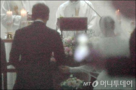 Anh hiem hoi cua Kim Tae Hee - Bi Rain trong le cuoi - Anh 5