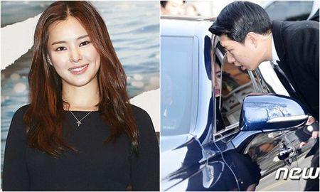 Kim Tae Hee dien vay cuoi ngan hien dai trong le ket hon - Anh 10