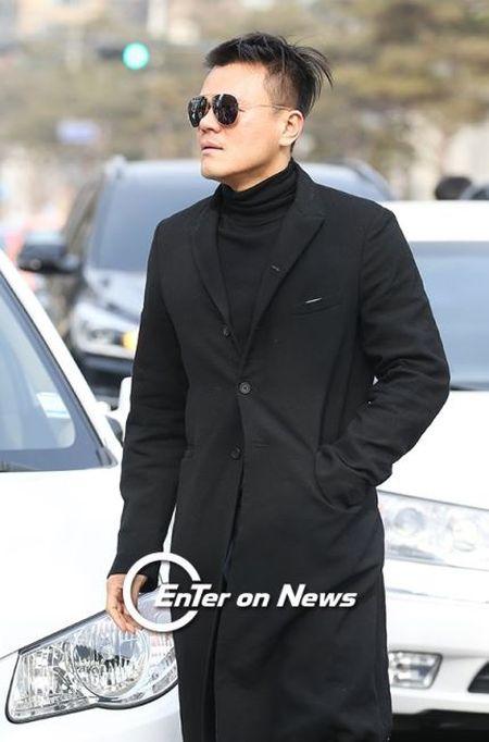 Kim Tae Hee dien vay cuoi ngan hien dai trong le ket hon - Anh 6