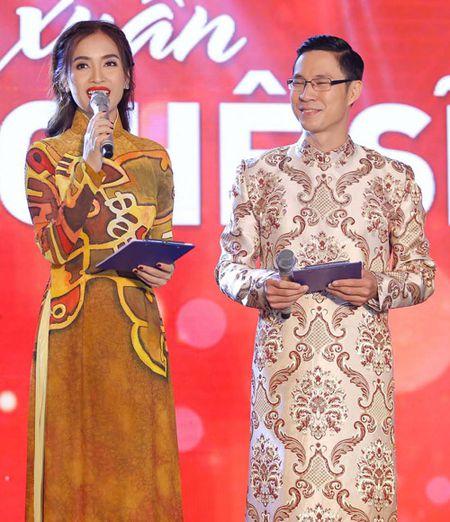 "Ai Phuong rang ro, dep ""lan at"" dan sao Viet tren tham do - Anh 11"