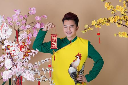 "Nam Cuong khong nhan show Tet de duoc o ben vo sap ""lam bon"" - Anh 1"