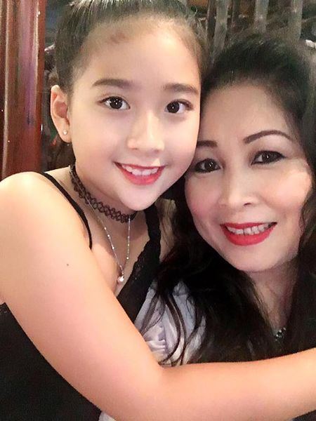 "Ba me U50 Hong Van ""tien Ong Tao la ngung moi hoat dong de cung con gai lo Tet"" - Anh 6"