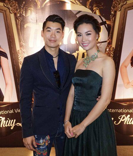 Truong Nam Thanh bat ngo cau hon ban gai hon tuoi - Anh 6