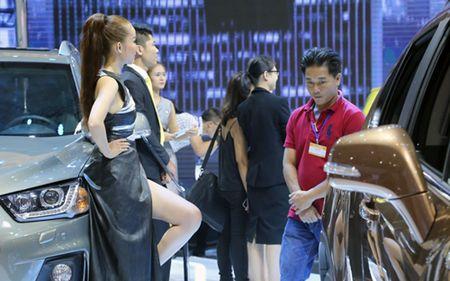 10 oto kem khach nhat Viet Nam 2016 - Anh 1