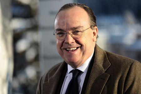 HSBC, Credit Suisse, Goldman Sachs lu luot roi London - Anh 1