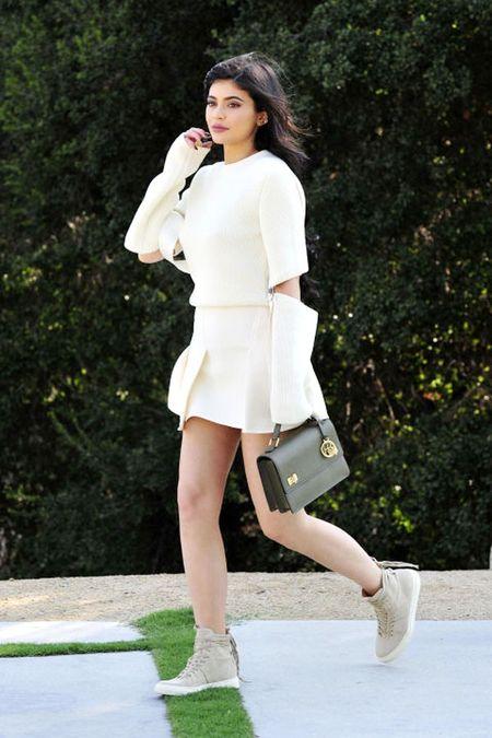 Hoc muon kieu mix do 'chat choi' tu 'hot girl so 1 Hollywood' - Anh 3