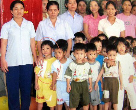 Nhung bat hanh tuong dong cua Pax Thien va Zahara tu khi moi sinh - Anh 2