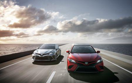 Toyota: Doanh so sedan hang trung se tang tu nam 2018 - Anh 1