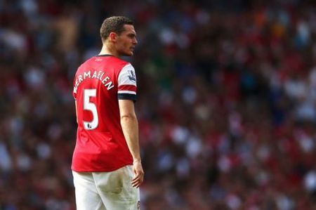 Arsenal va loi nguyen voi tam bang doi truong - Anh 3