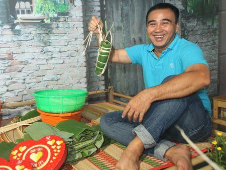 Dien vien - MC Quyen Linh: 'Tet tron ven la cai tet se chia...' - Anh 1