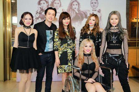 Rapper cua S-Girls den su kien bang xe lan - Anh 1
