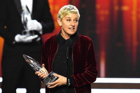 MC Ellen DeGeneres lam nen lich su tai giai People's Choice - Anh 1