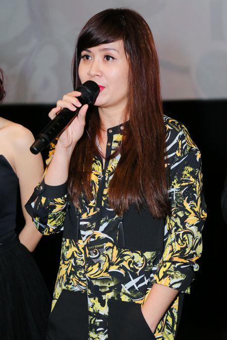 Thanh vien nhom S-Girls di xe lan den hop bao - Anh 6