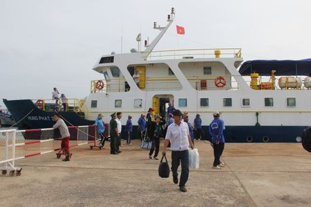 Binh Thuan: Tang gia ve xe khach khong qua 40% - Anh 2