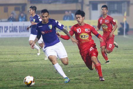 Cong Phuong cam dau di bong, Van Toan bat luc - Anh 3