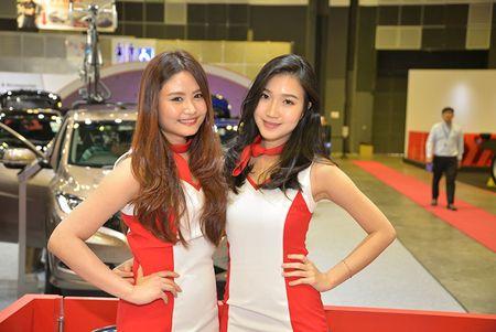 Nhung 'bong hong' duyen dang tai Singapore Motor Show 2017 - Anh 16