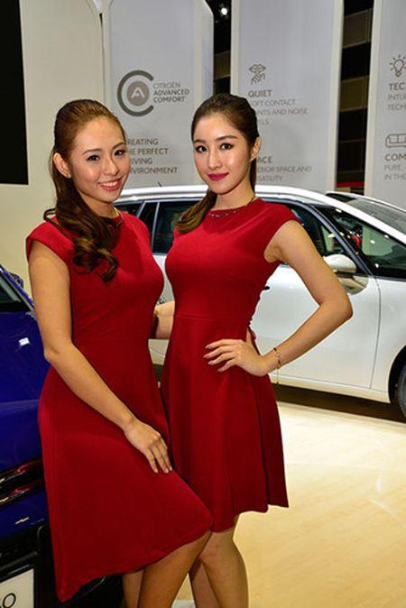 Nhung 'bong hong' duyen dang tai Singapore Motor Show 2017 - Anh 18