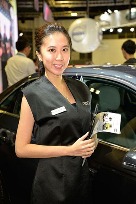 Nhung 'bong hong' duyen dang tai Singapore Motor Show 2017 - Anh 3