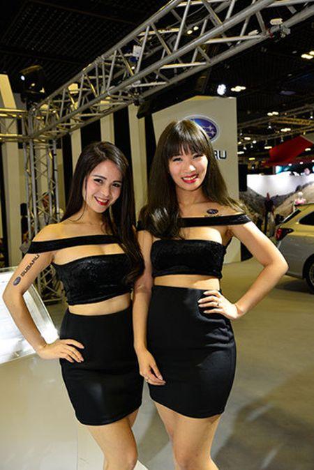 Nhung 'bong hong' duyen dang tai Singapore Motor Show 2017 - Anh 7