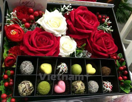Trai nghiem 'Tiec yeu' Valentine ngap sac hoa tai thu do Ha Noi - Anh 1