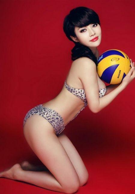 Hot girl Trung Quoc tao dang kheu goi ben trai bong - Anh 7