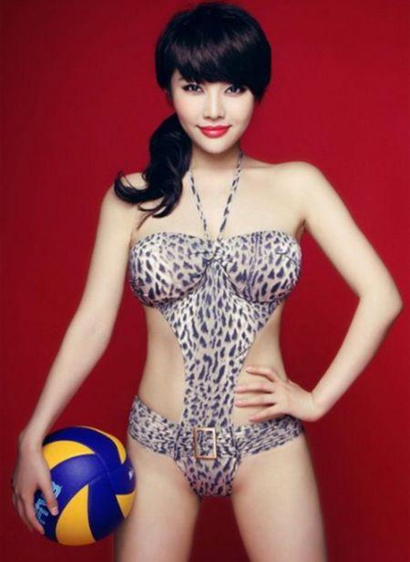 Hot girl Trung Quoc tao dang kheu goi ben trai bong - Anh 8