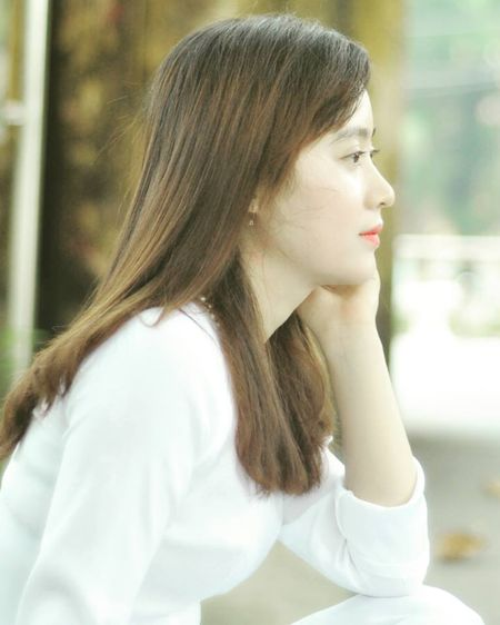 Phat sot voi cac co giao da trang nhu Ngoc Trinh - Anh 9