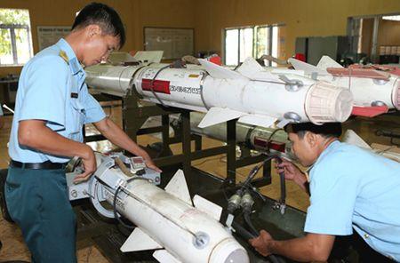 Tien bo vuot bac: Viet Nam che tao linh kien ten lua X-29 - Anh 4