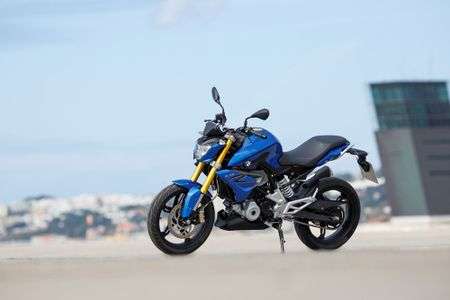 Moto BMW G310R 'chot gia' 208 trieu dong tai Viet Nam - Anh 2