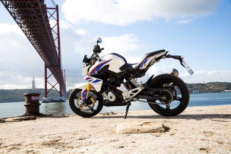 Moto BMW G310R 'chot gia' 208 trieu dong tai Viet Nam - Anh 4